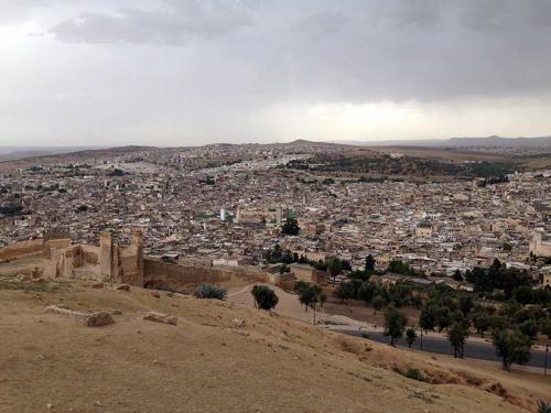 marrocos-fez-ruinas-TombeauxDesMerinides